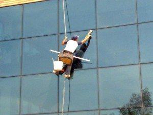 شركة تنظيف واجهات زجاج شركة تنظيف واجهات حجر بالرياض Cleaning and glass facades
